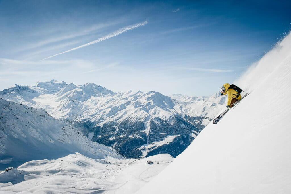 Skieur freeride sur à Verbier