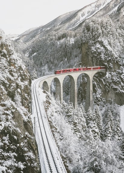 Train du Glacier Express sur le Viaduct du Landwasser